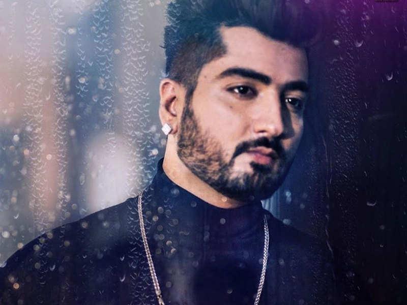 Hor Dus Song Lyrics in Latest Punjabi Songs